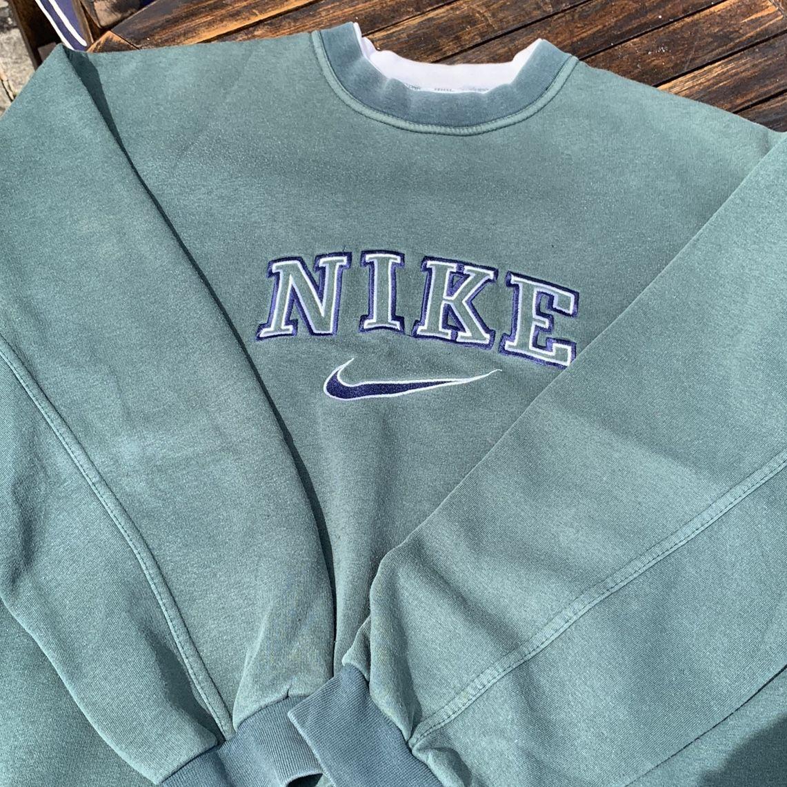 Vintage Forest Green Nike Crewneck Sweatshirt 90 S Fashion Vintage Nike Sweatshirt Vintage Crewneck Sweatshirt Trendy Sweatshirt [ 1141 x 1141 Pixel ]