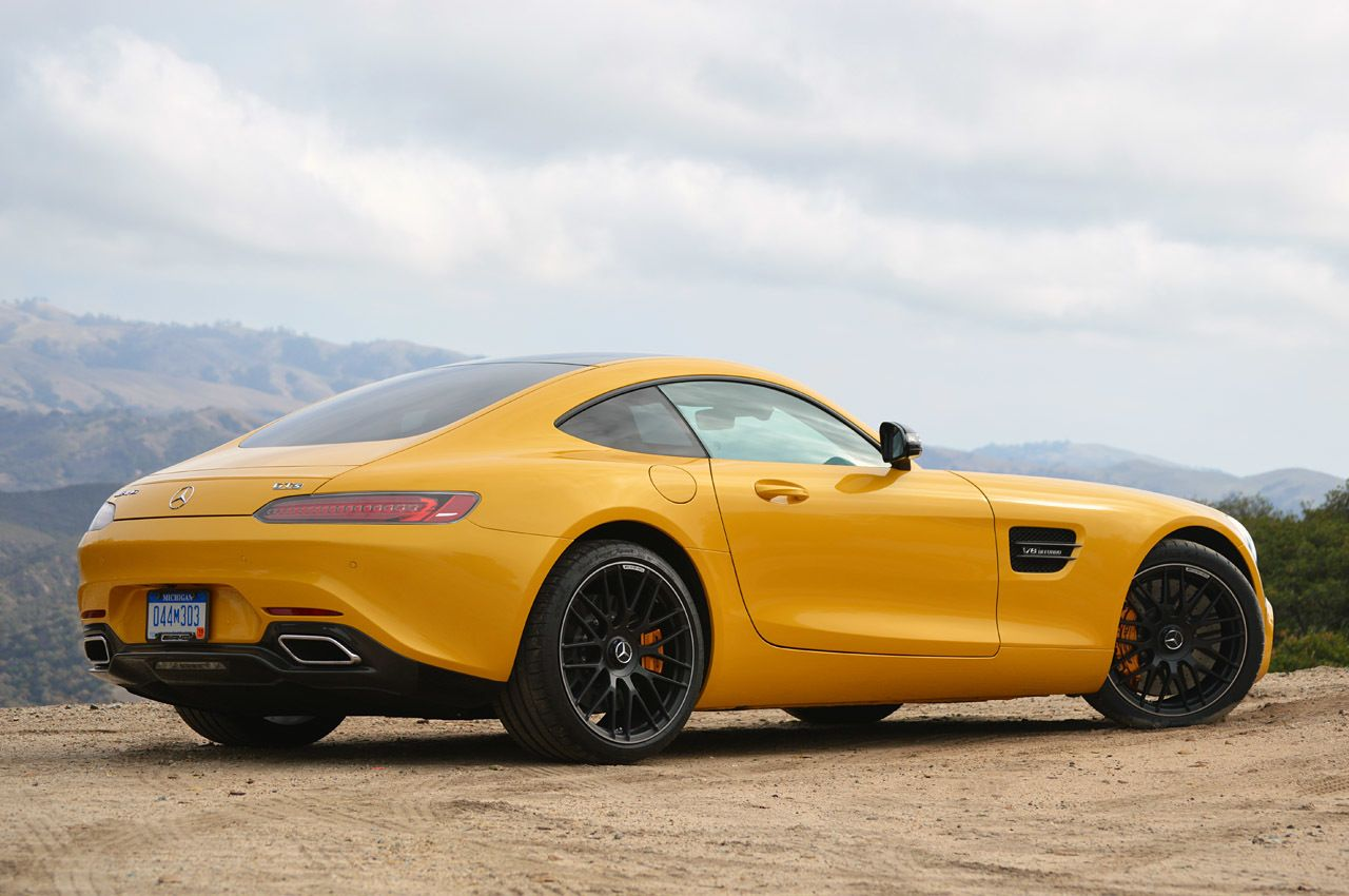 Impetuous sexy racecar Mercedes AMG GT3 due in 2016