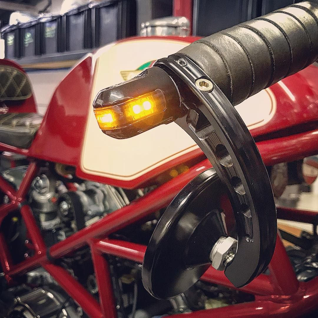 Srcorse On Instagram Beth Ducati Monster Monster900 27 History Ducaticaferacer Cafeducati Caferacerbrasil Cafe Ducati Cafe Racer Instagram Ducati