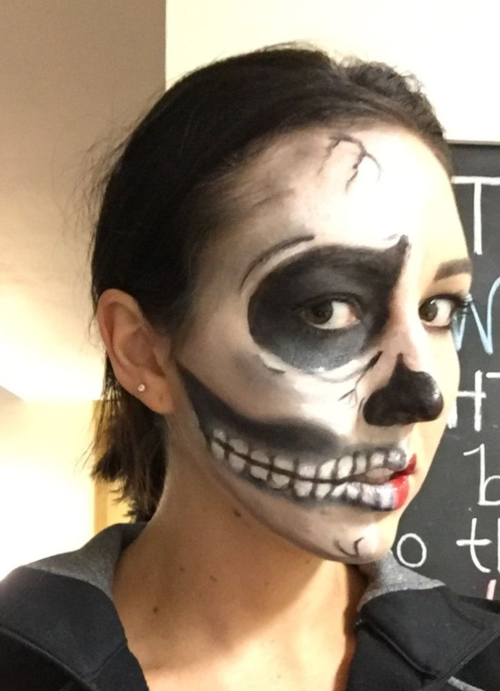 skeleton makeup done with senegence shadowsense smudge proof waterproof budge proof halloween makeup easy halloween