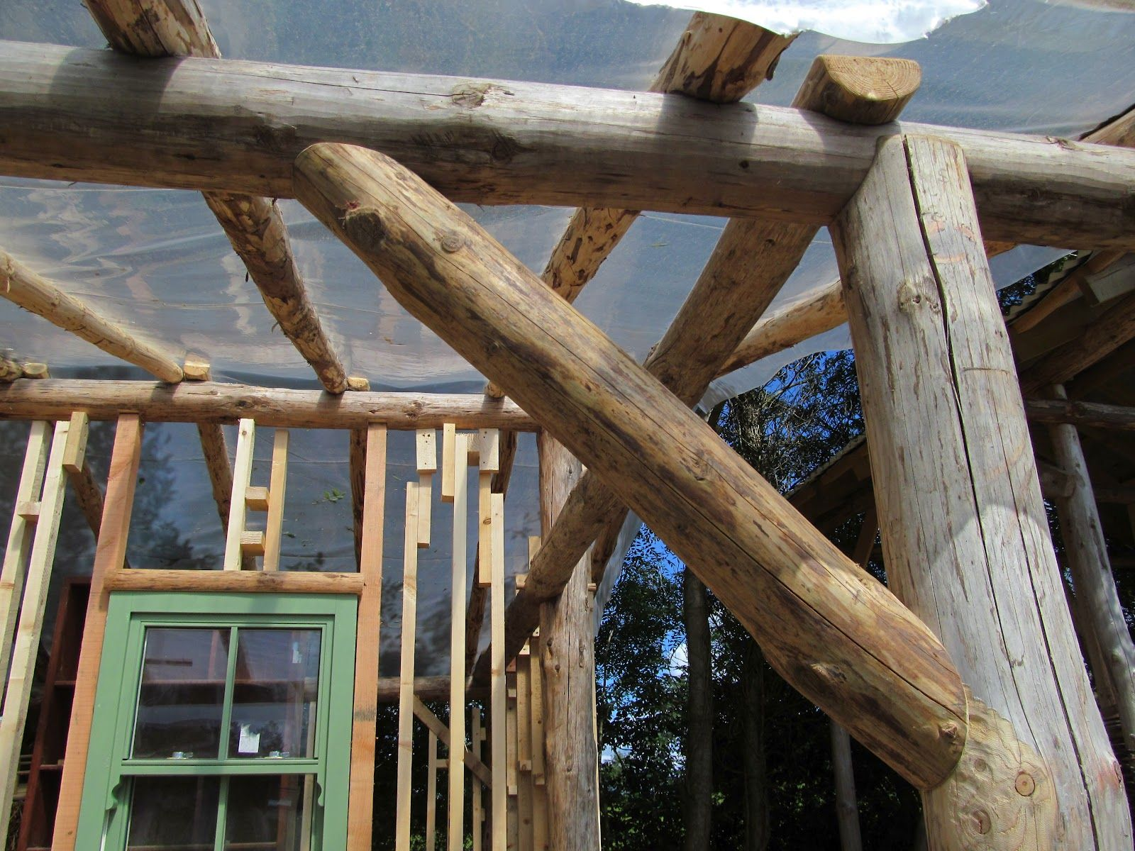 Round Wood Timber Framing In 2019 Roof Truss Design