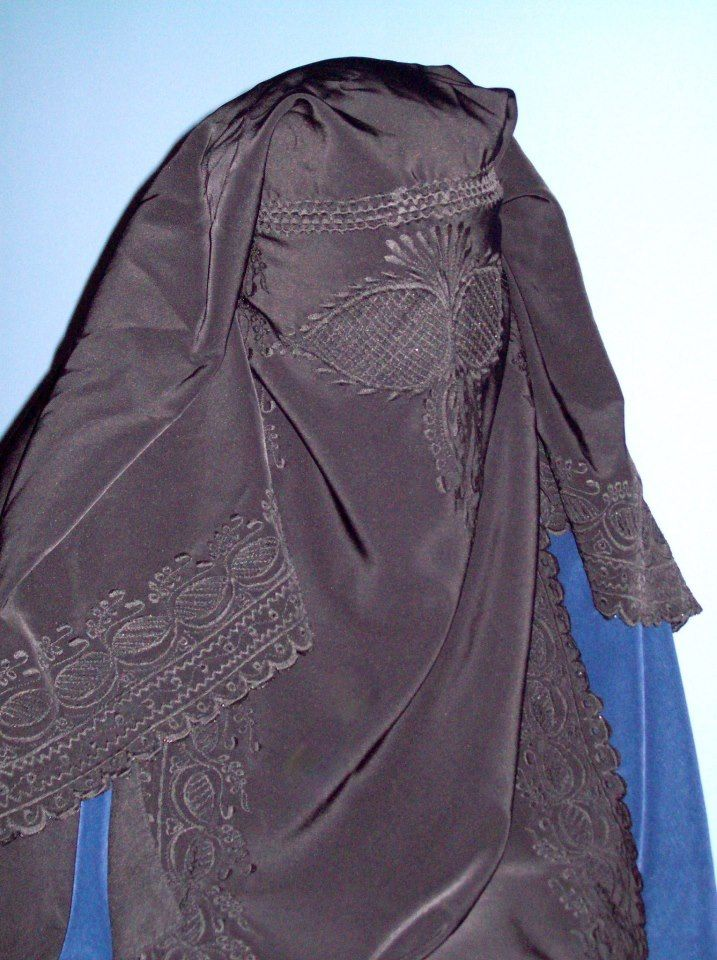 How can you tell gender? You can't. Men use the burka to disguise themselves when needed. Michael Jackson did when in the Middle East - Duh ! -- How can you tell if it's someone who has been beaten? Or had an acid attack? They essentially walk in the world Oppressed and as if inside of their own closet, or basement. unseen. why?
