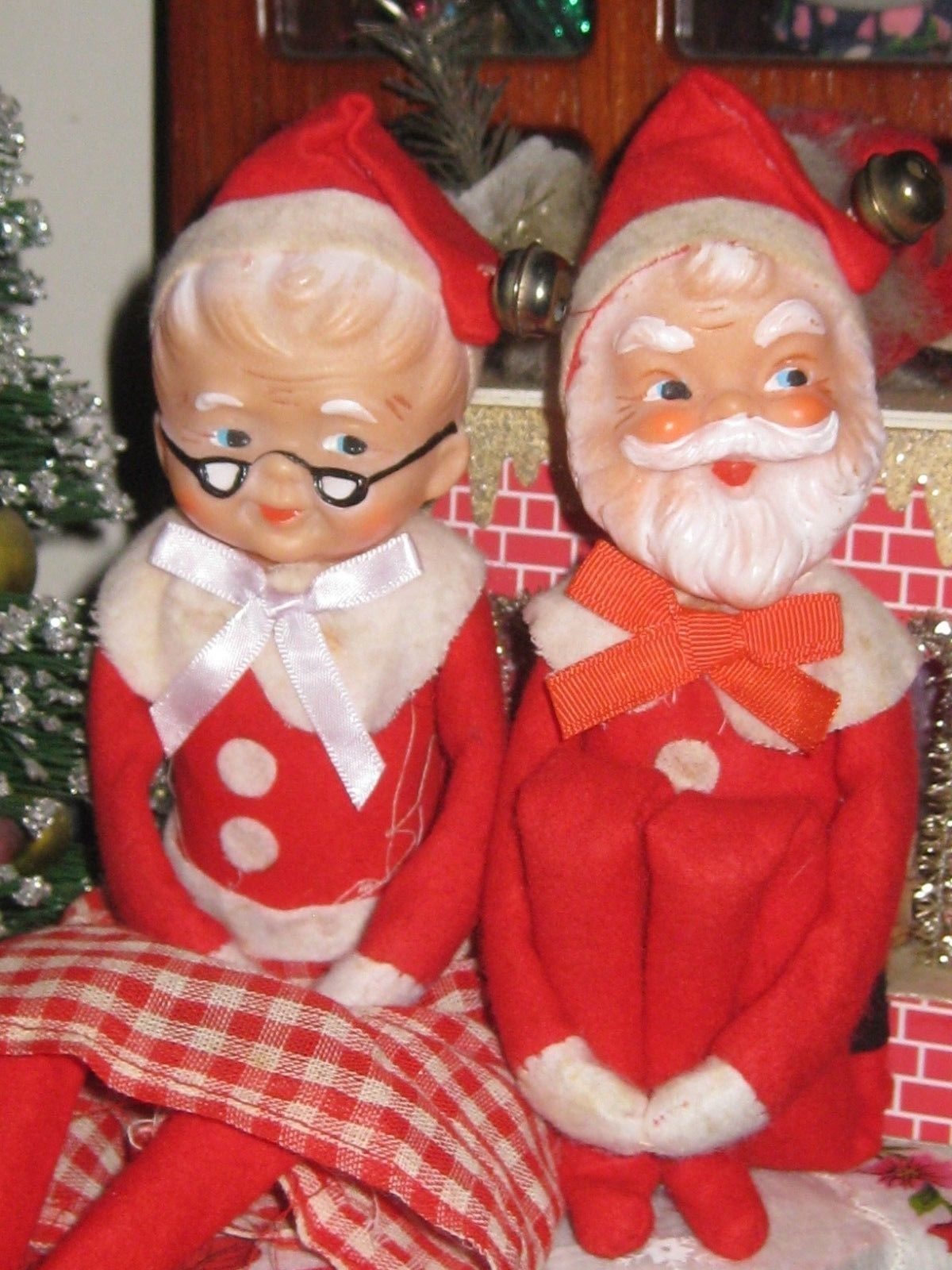Mr Mrs Santa Claus Vintage Christmas Knee Huggers Elves