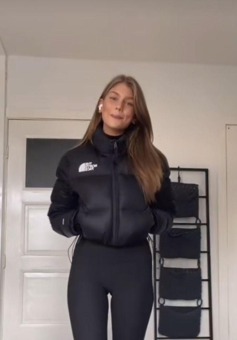 North Face Nuptse Crop In 2021 North Face Jacket Outfit North Face Puffer Jacket Black North Face Jacket [ 1095 x 766 Pixel ]