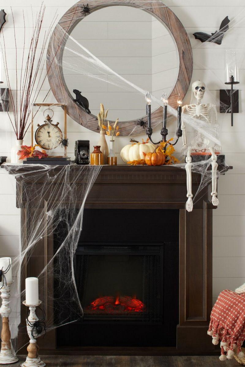50 Outstanding Halloween Mantel Decorating Ideas Sonstige