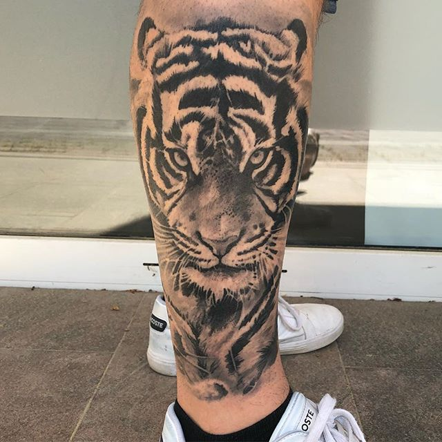 Tatu Leandro In 2020 Tiger Forearm Tattoo Tiger Tattoo Sleeve Dragon Sleeve Tattoos