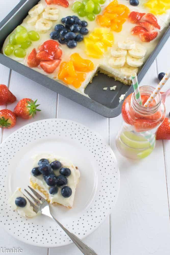Ein Kuchen für den Sommer - Obstsalat Blechkuchen mit Zucchini Boden - Unalife