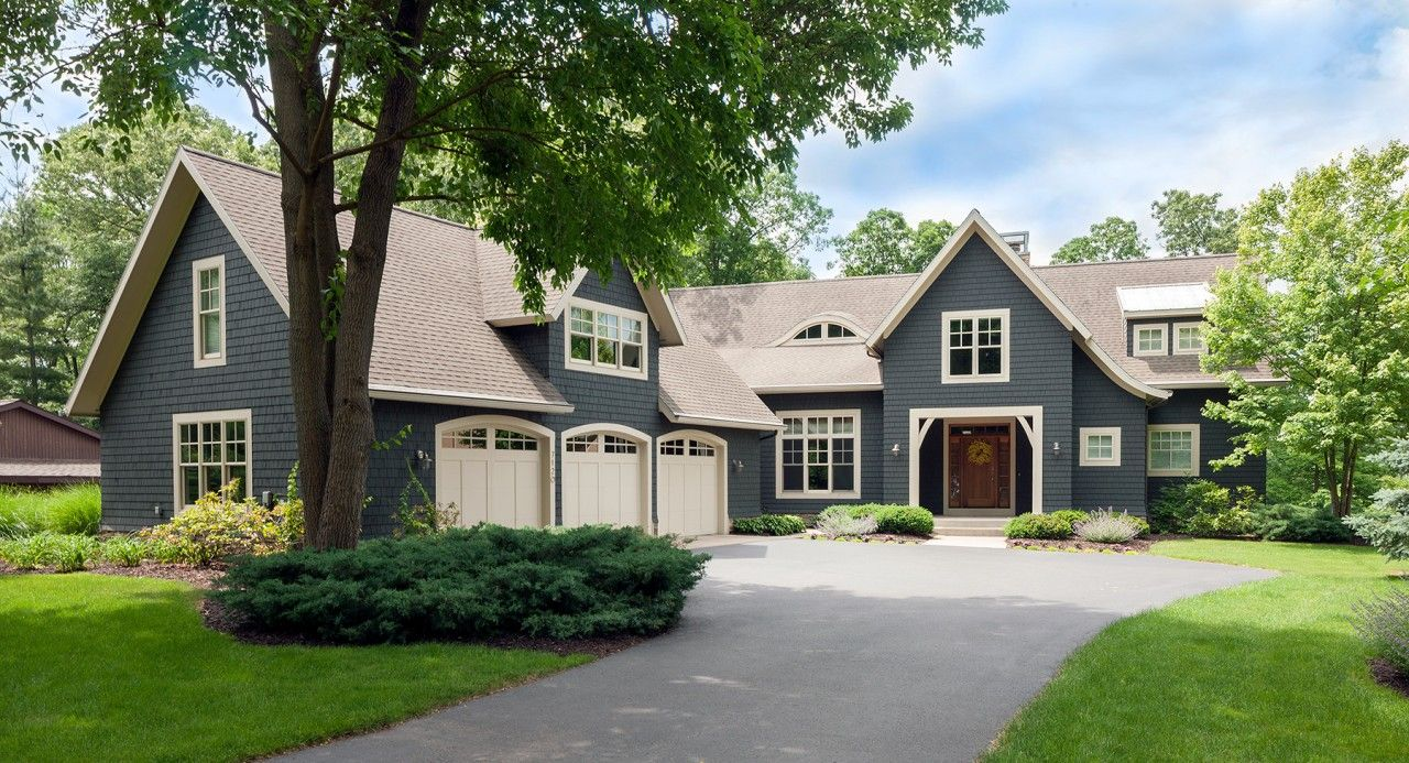 Beautiful Suburban House Plan With 3200 Sq Ft Of Living Space 3 Bedrooms And 3 5 Bathrooms Country House Plan Cottage Plan Suburban House