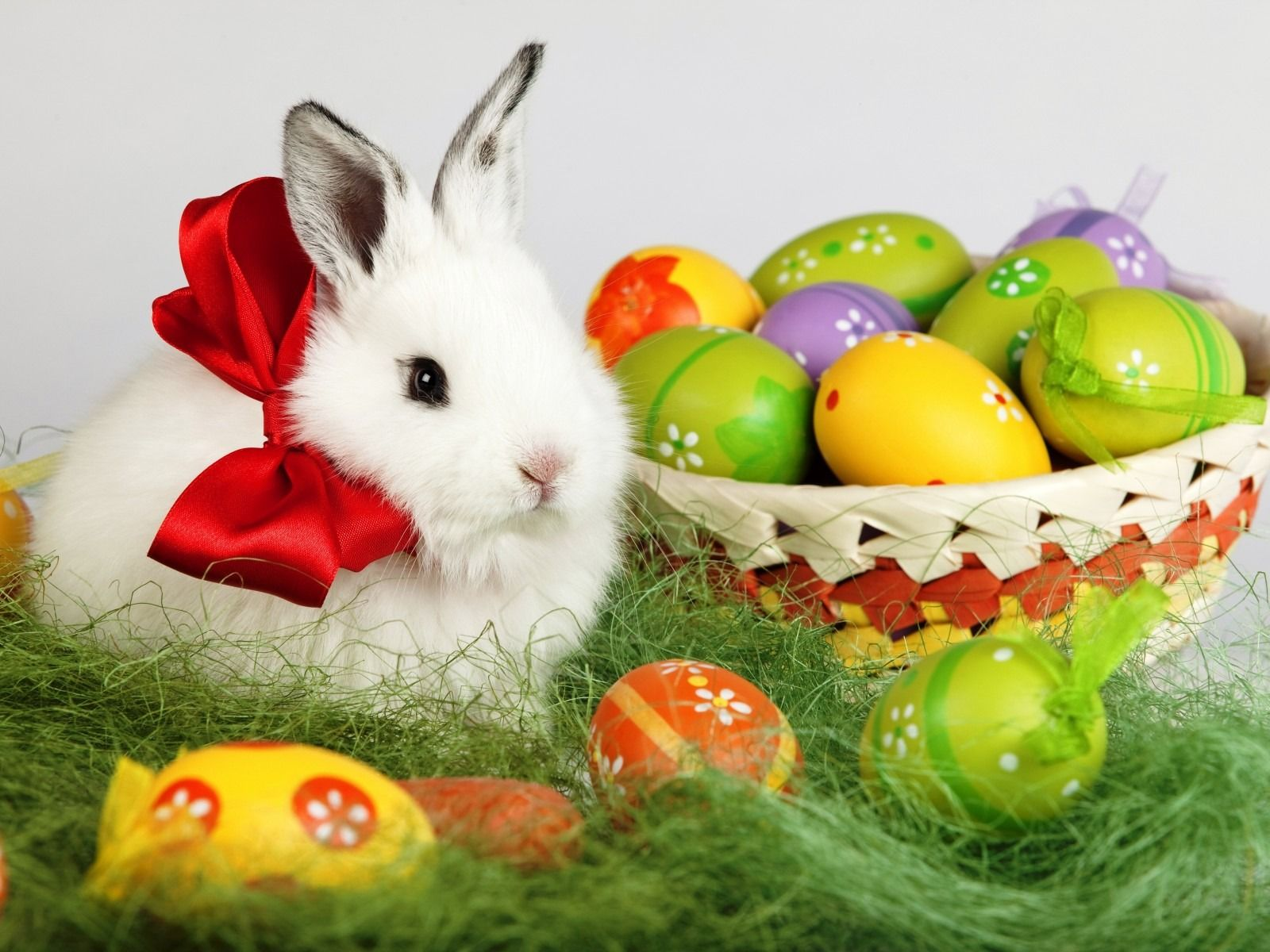 3 21 Weekly Roundup Easter And Spring Break Are Here The Happy Easter Wallpaper Easter Wallpaper Easter Bunny Images