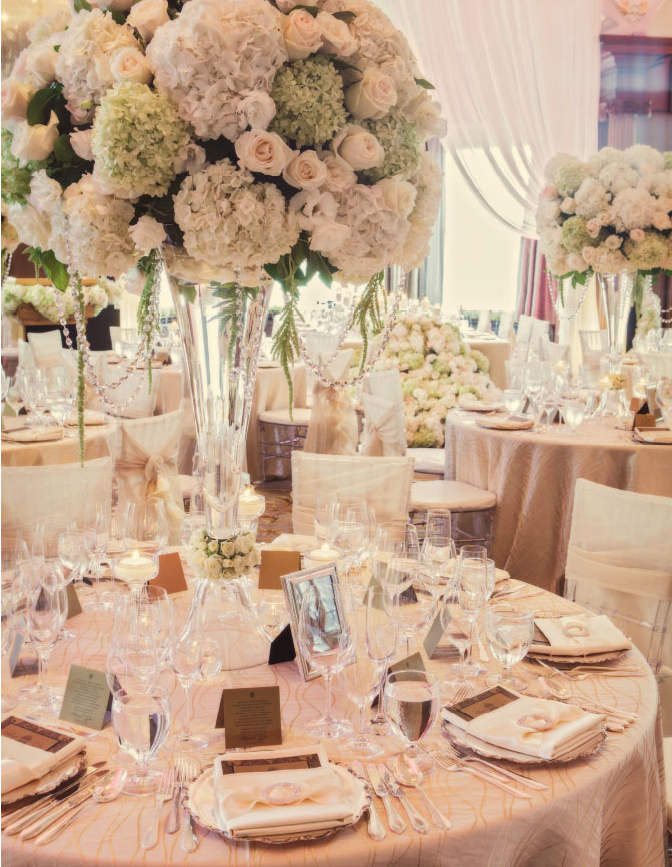 Get Inspired: 54 Enchanting Wedding Centerpiece Ideas. To see more: http://www.modwedding.com/2014/01/20/get-inspired-54-enchanting-wedding-centerpiece-ideas/ #wedding #weddings #centerpieces