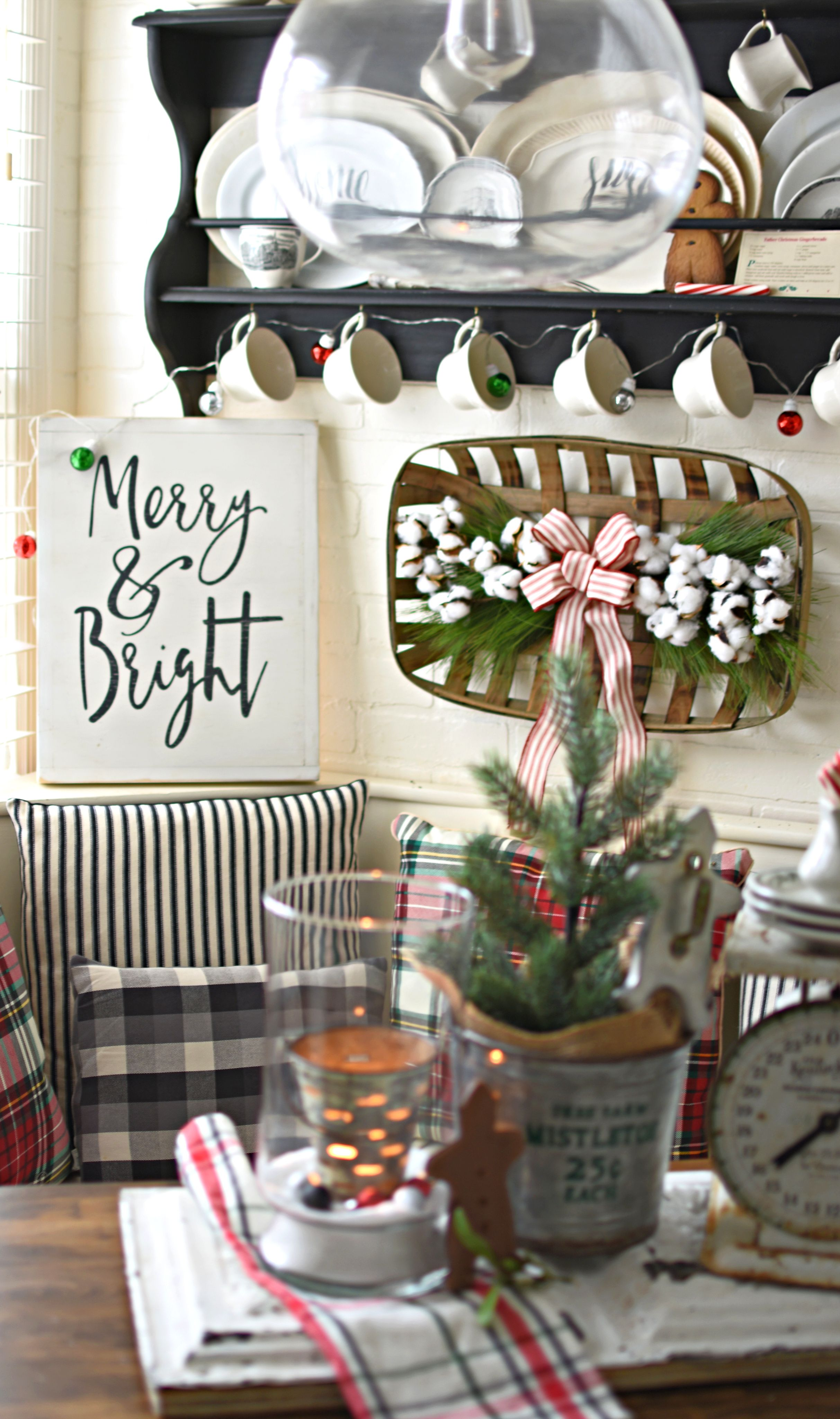 merry and bright farmhouse christmas kitchen decorating