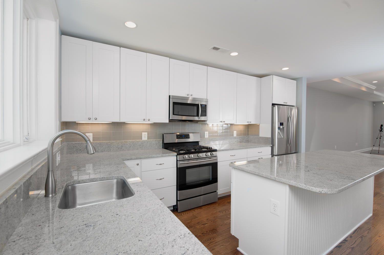 17 best images about backsplash ideas on pinterest kitchen backsplash black quartz and glass subway tile - White Subway Tile Backsplash