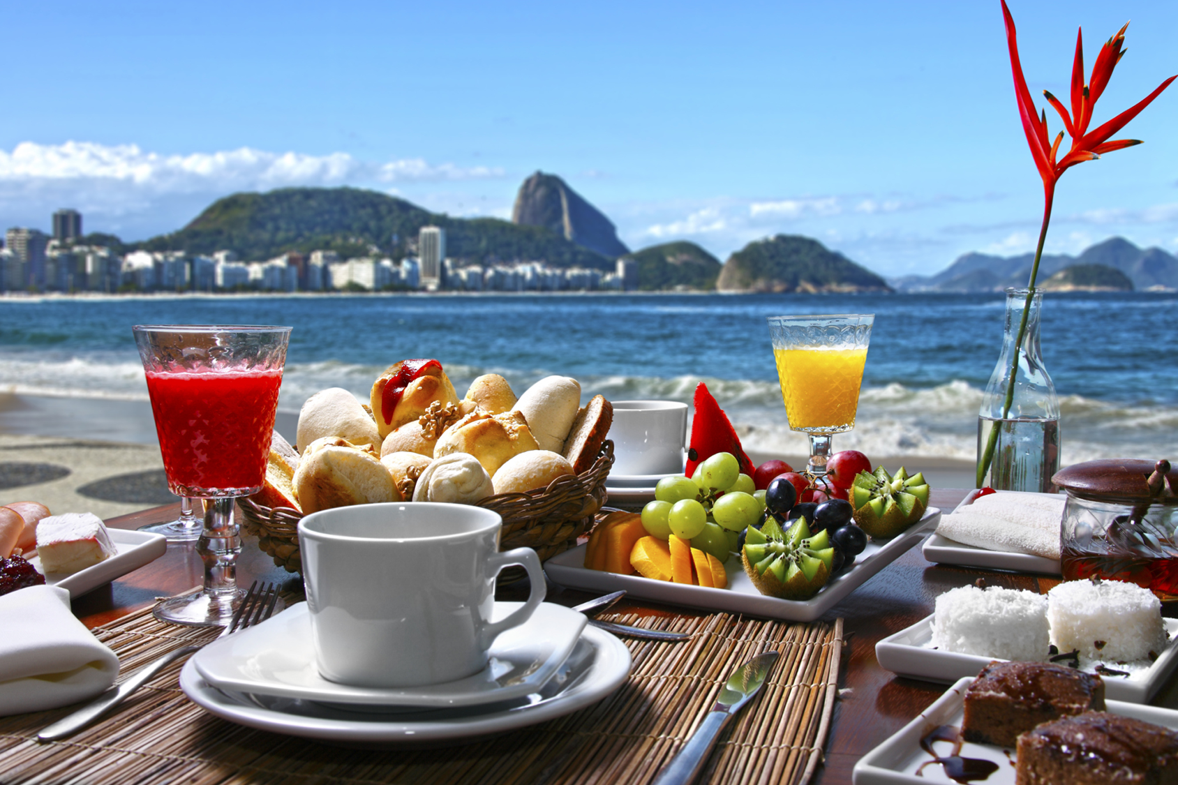 6 Rules for Eating on Vacation u2039