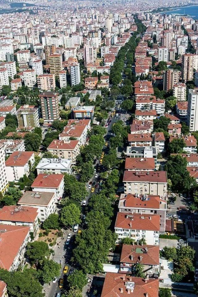 صورة لـ شارع بغداد أحد أهم الشوارع في اسطنبول يعد احد أكثر الشوارع شهرة في إسطنبول الاسيوية بطول 6 كيلومتر و تعود تسميته الى السلطان City City Photo Aerial