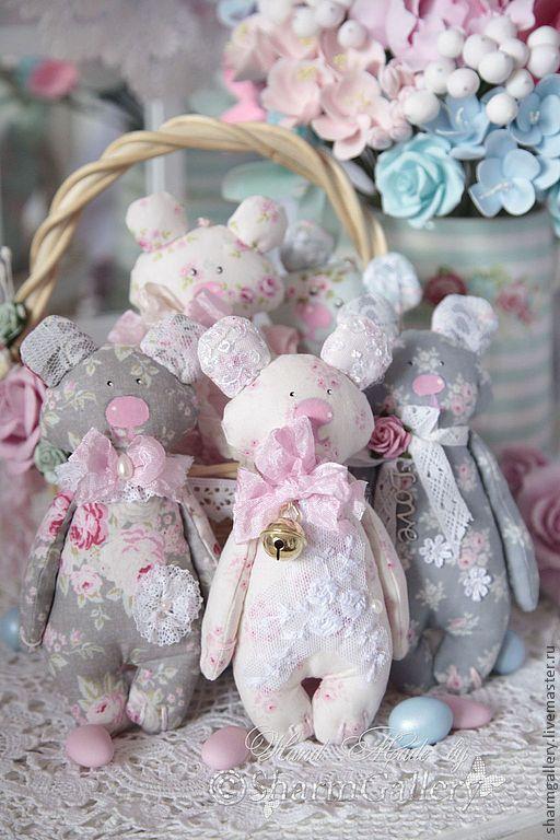 bear  Tildas.....(beary CUTE!! love the soft colors.)....