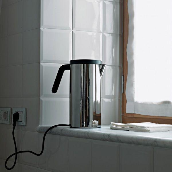 elegancki czajnik elektryczny Alessi