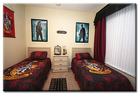 it has a harry potter theme ideal for the tweens teens 15530 | 4253f679d6906dd6cc4c63ba1556165f