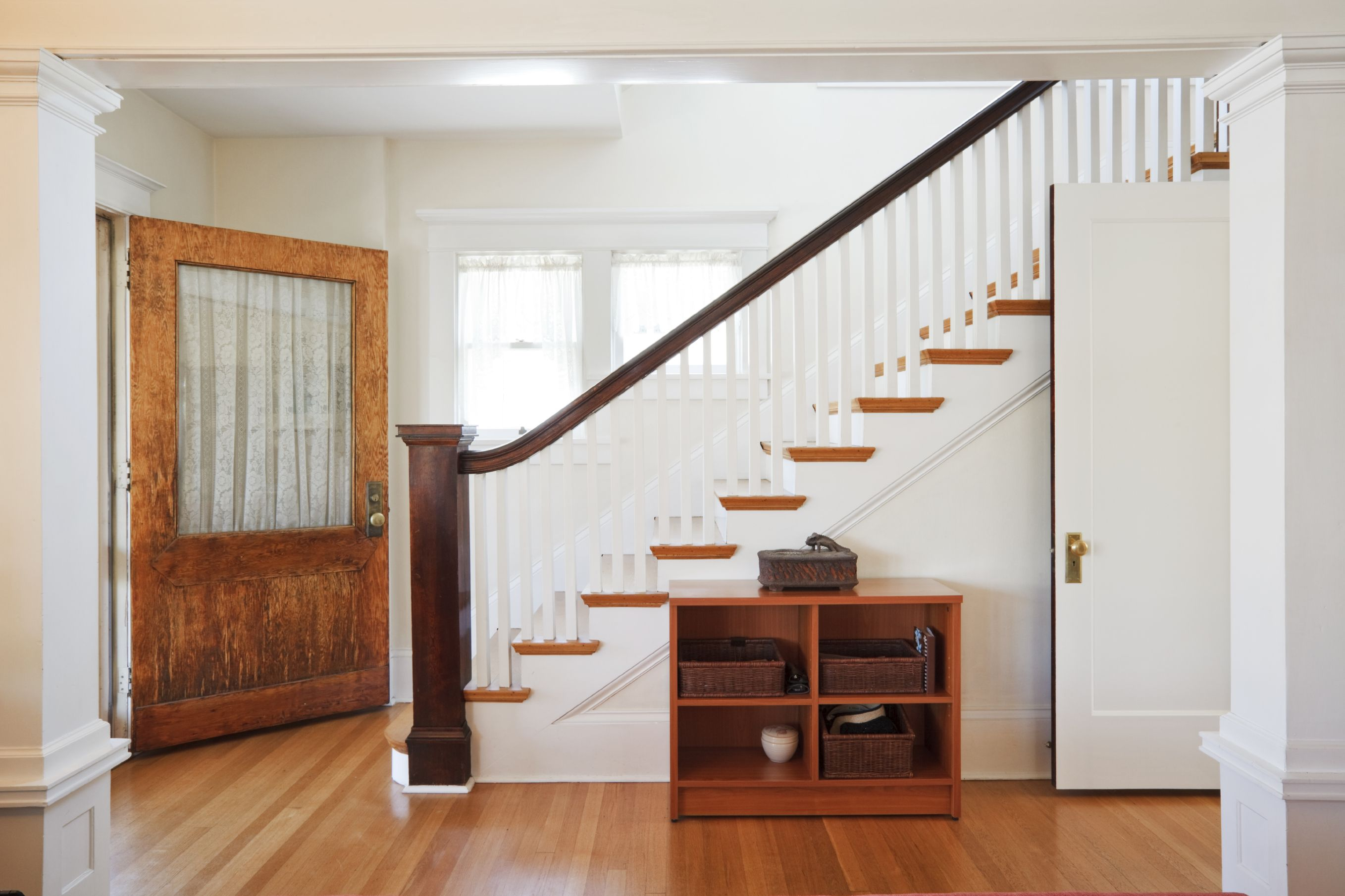 Narrow Foyer Stairs : Foyer design ideas for all colors styles and sizes