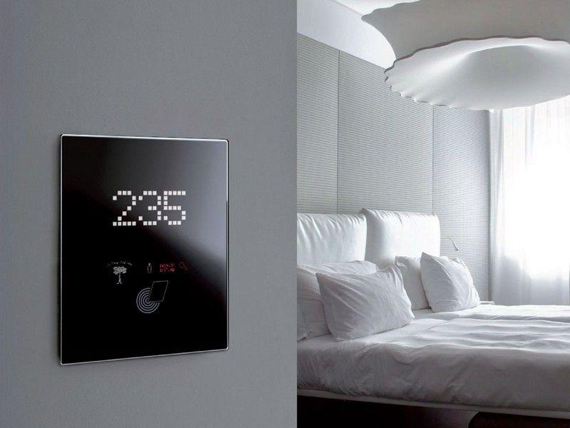 Lichtschalter mit Touchscreen und viele Steuerungsfunktionen ...