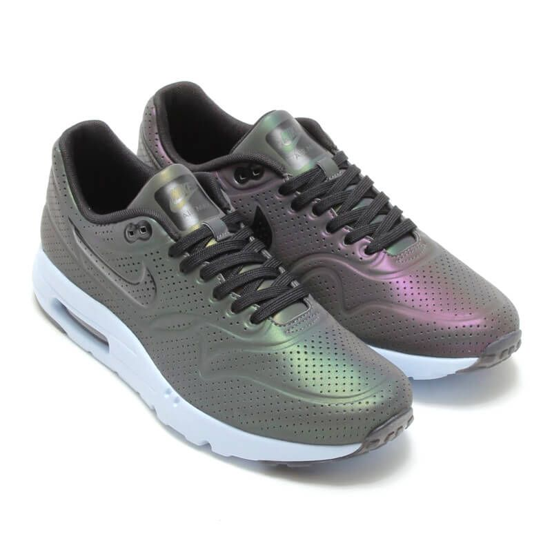 low priced 18a81 30ff5 Nike Air Max 1 Ultra Moire Hologram QS in 2019 | Sneakers | Zapatos ...