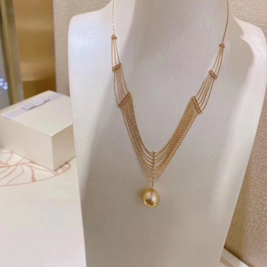 Photo of Golden south sea pearl necklace