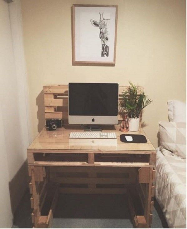 19 Diy Desk Ideas To Inspire A Home Office Makeover Diy Pallet Furniture Pallet Furniture Pallet Desk