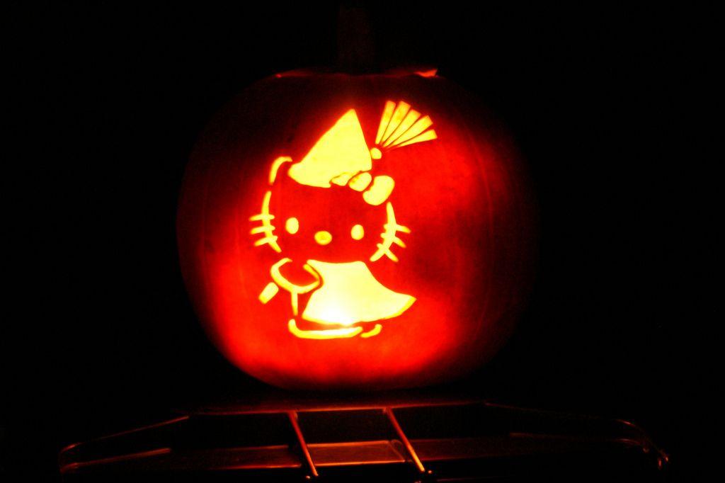 31 Jack O\u0027Lantern Ideas For Overly Ambitious People Pumpkin ideas - hello kitty halloween decorations