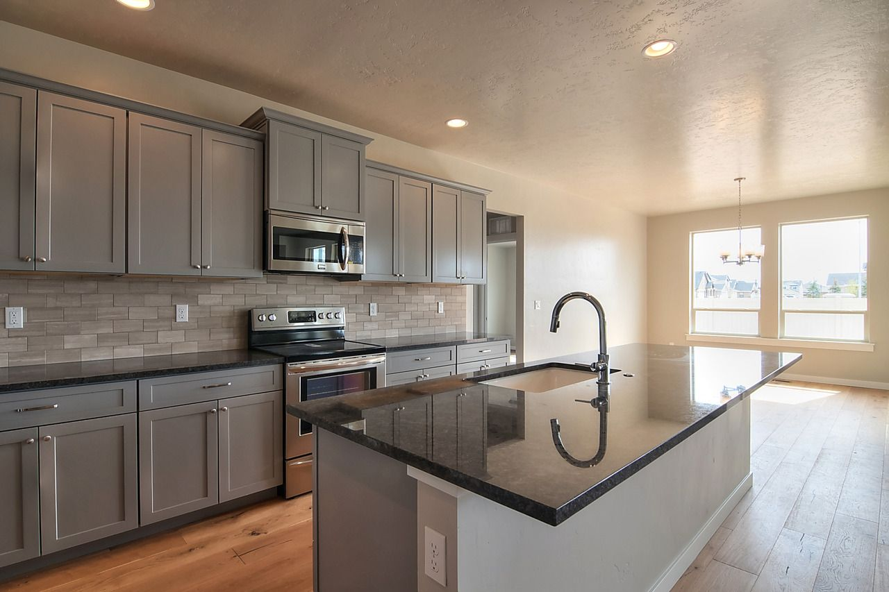 Black Granite, Grey Cabinets, Wood Floors, Full Brown ... on Backsplash For Black Granite Countertops And Brown Cabinets  id=61267