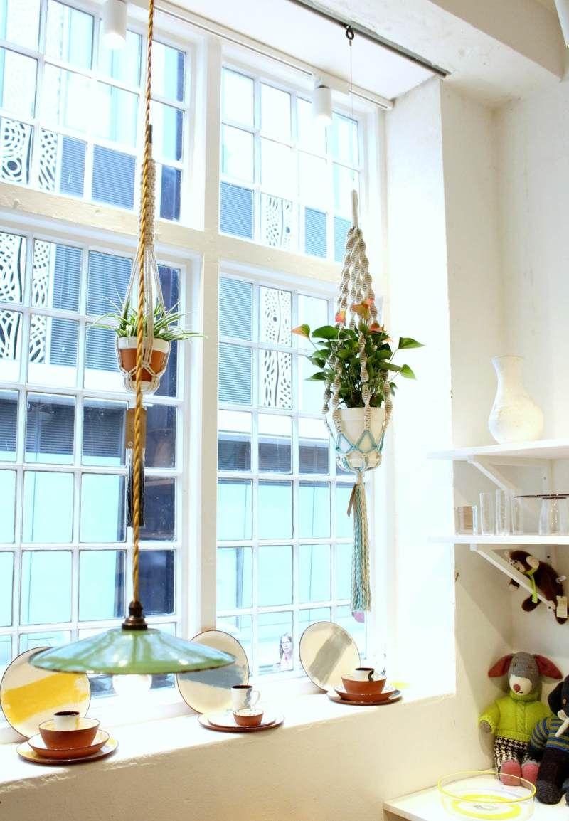 Mit Makramee Können Sie Die Pflanzen Vor Das Fenster Hängen ... Haus Mit Wintergarten Zimmerpflanzen Als Dekoration Szene Setzen