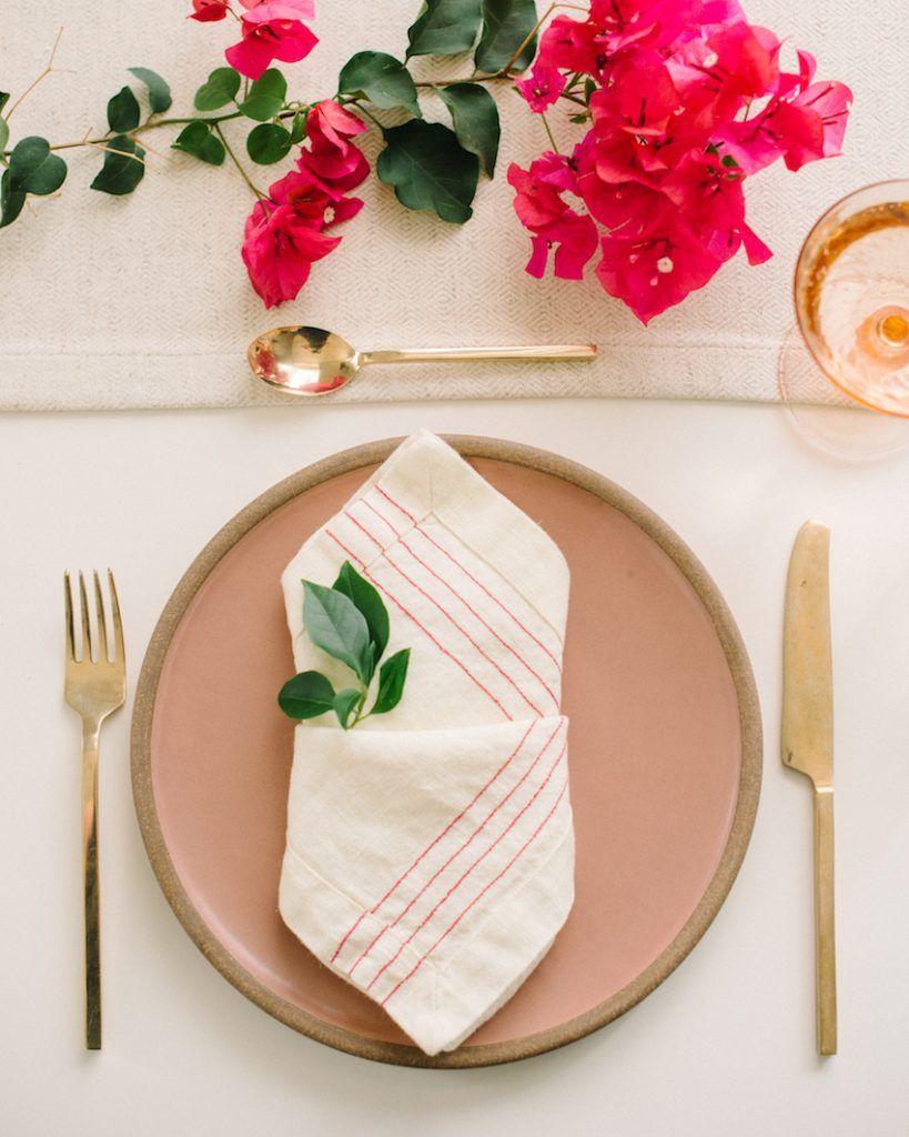 9 Creative Napkin Folding Techniques to Elevate Your Dinner Table #foldingnapkins