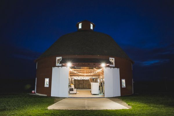 Sara John Kokomo Indiana Farm Wedding Farm Wedding Rustic Barn Wedding Farm Wedding Reception