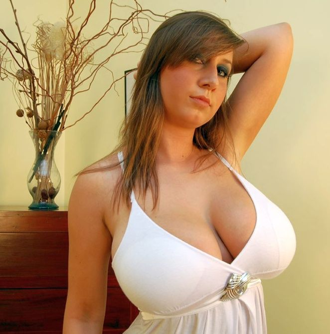 Naked giels with big breasts