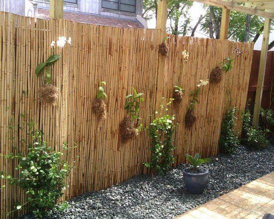 Bambus Sichtschutz Garten Gestaltung Kieselsteine Gartenweg
