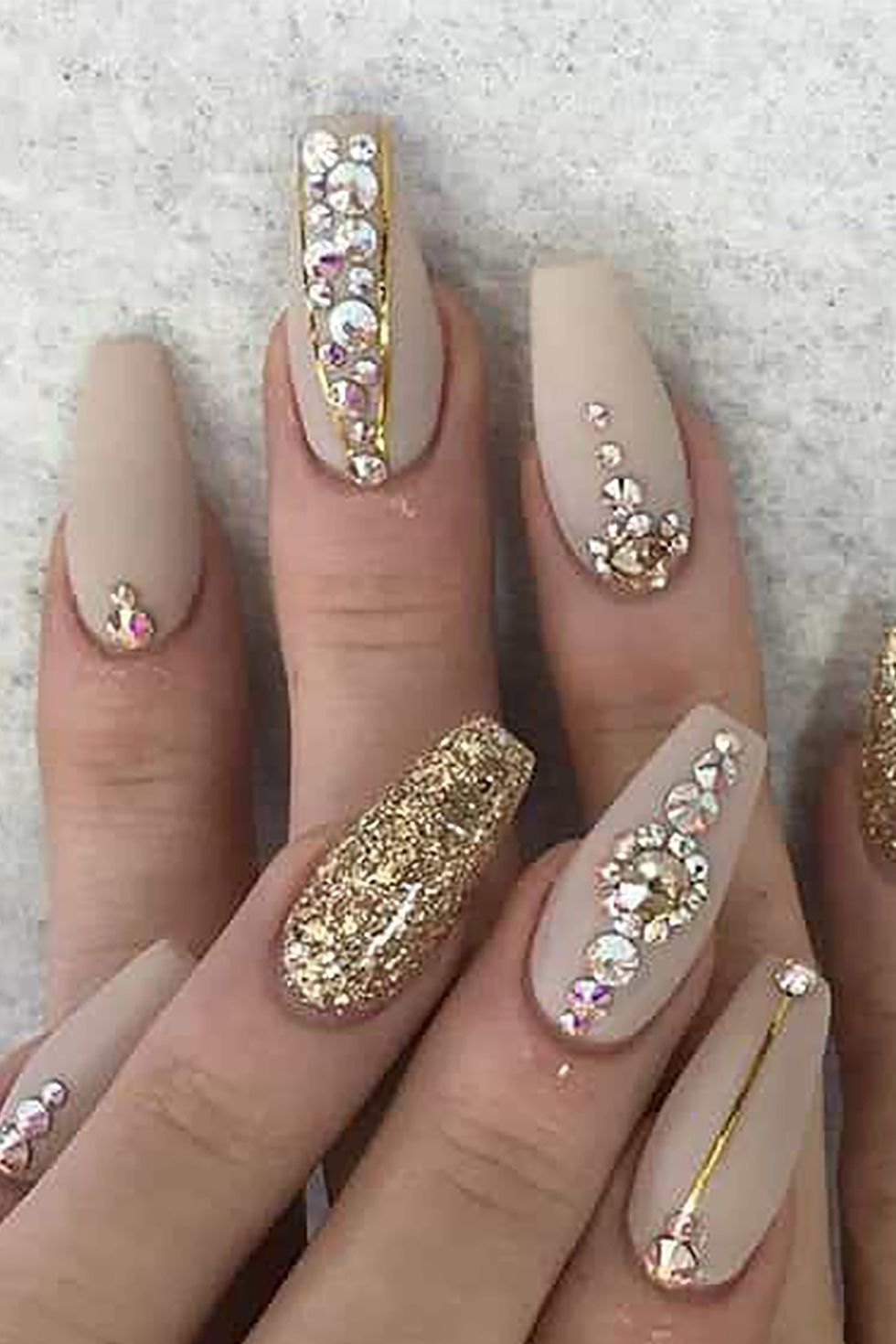 Pretty Gel Manicure Designs That'll Make You Wanna Do Your