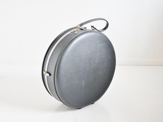 US Trunk Company Round Suitcase  Vintage Luggage by thewhitepepper, $38.50