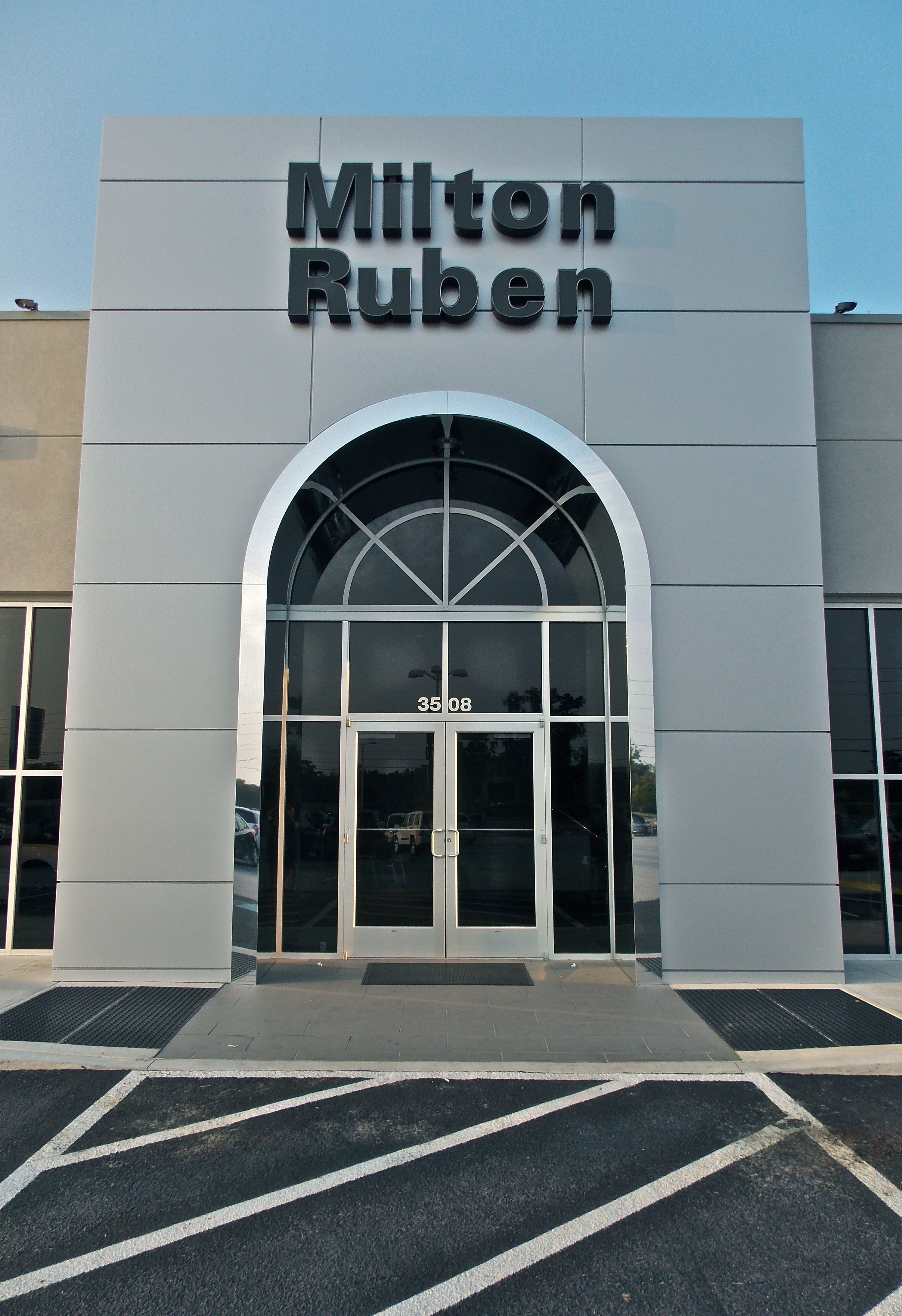 Www Drivebaby Com The Newly Remodeled Milton Ruben Chrysler Jeep Dodge Preowned Building Drivebaby Rubens Jeep Dodge Chrysler Jeep