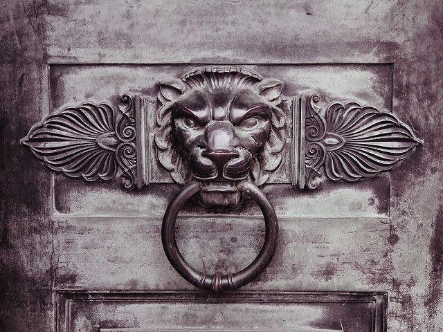Lion Shaped Door Knocker | Lion door knocker at the Birmingh… | Flickr