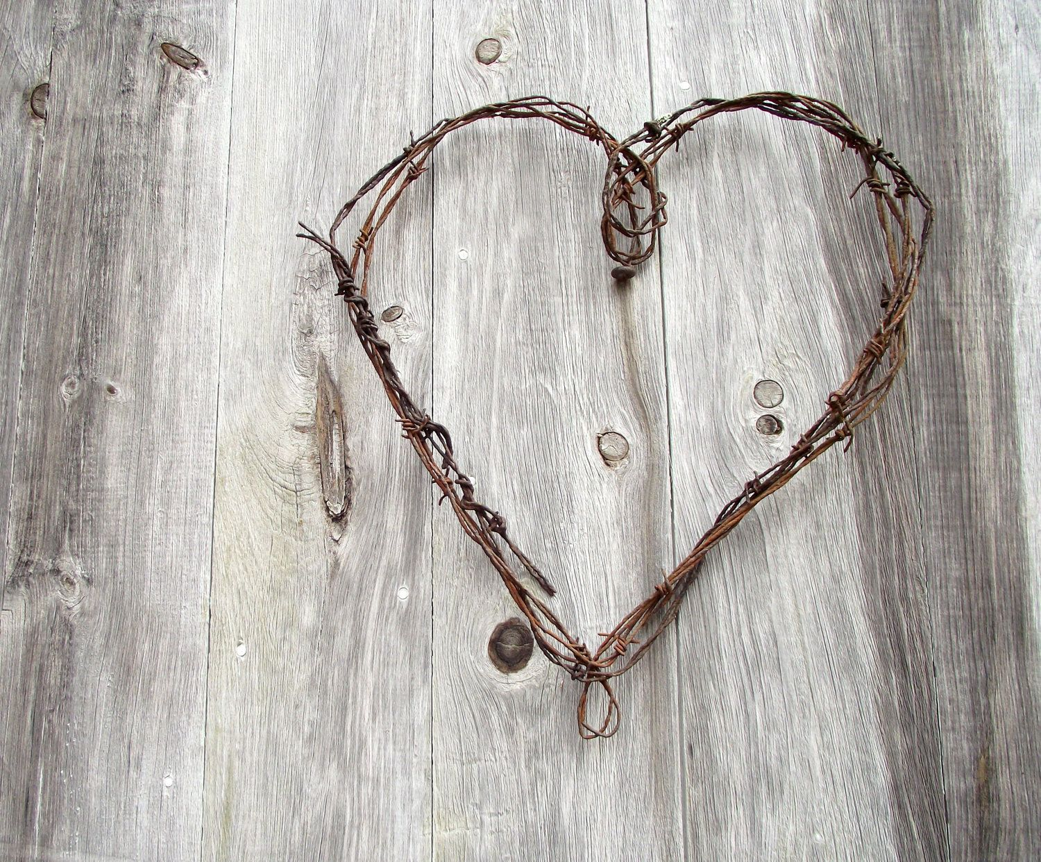 Wire Heart Wreath Antique Rustic Barbed Wire Farmhouse Chic ...