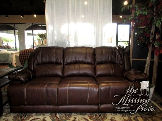 Traditional Style Reclining Sofa In A Deep Brown With Contrast Sching This Is Top Grain Leather Everywhere The Body Touches Handsome Piece