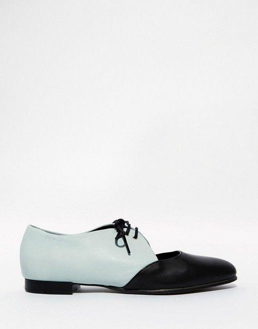 1736c5c8f0cf Zapatos planos de cuero con diseño calado y cordones de Tasha de ...