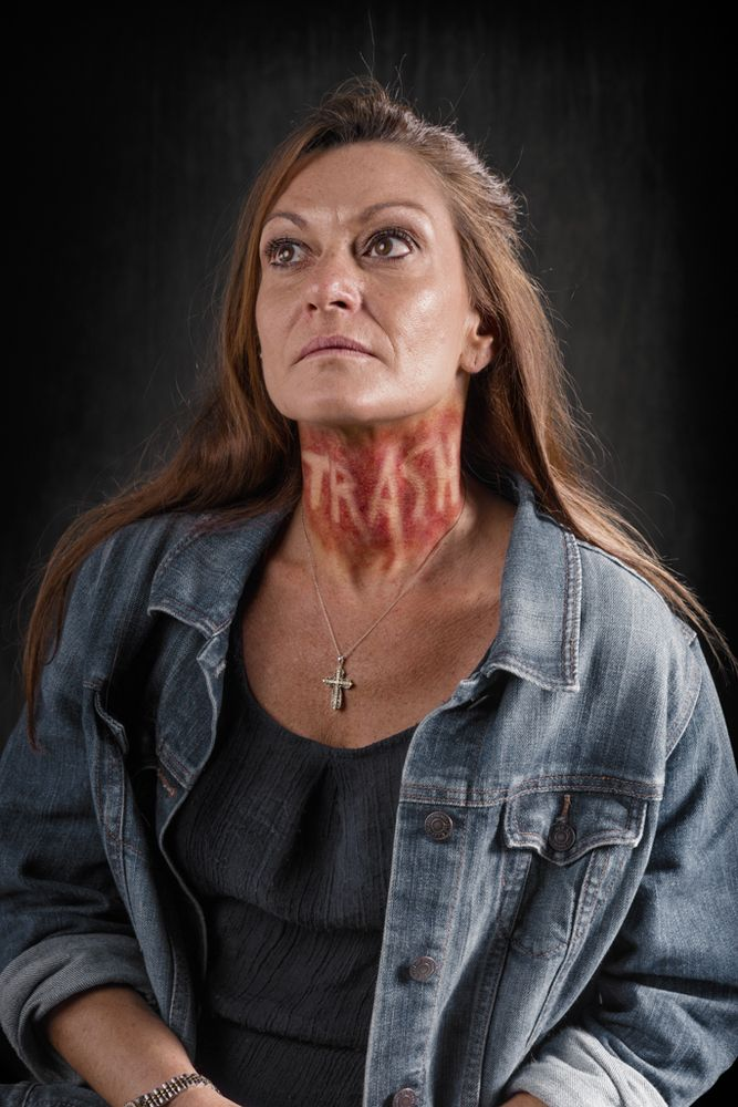 Powerful Images Show A World Where Verbal Abuse Leaves Physical - Extremely powerful photo project shows effects verbal abuse