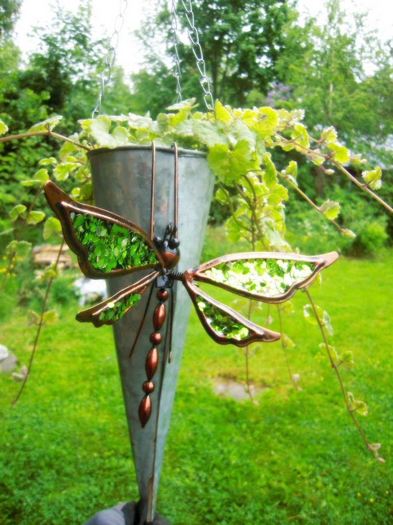 lumiukon puutarhassa, sudenkorento