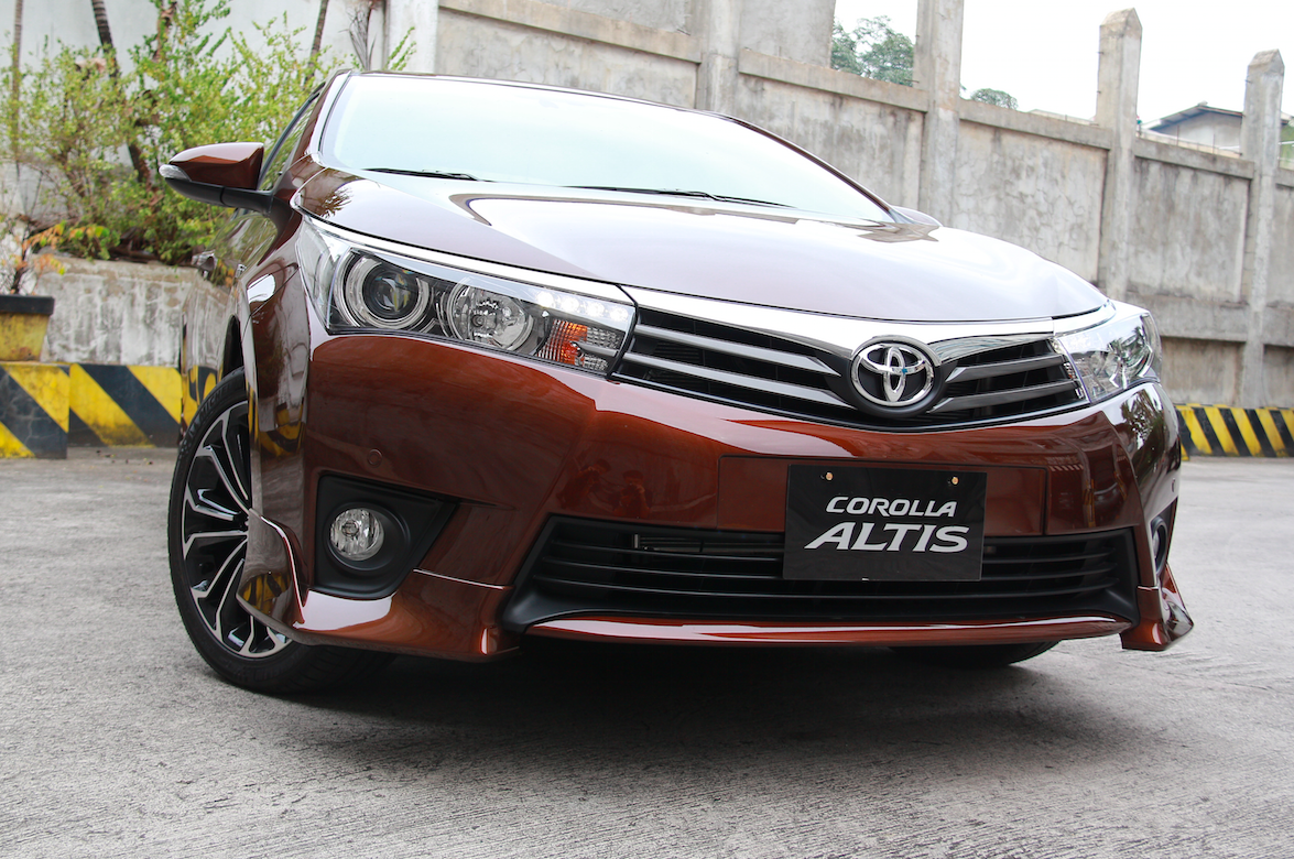 Toyota Corolla Altis is one of the latest coming car in
