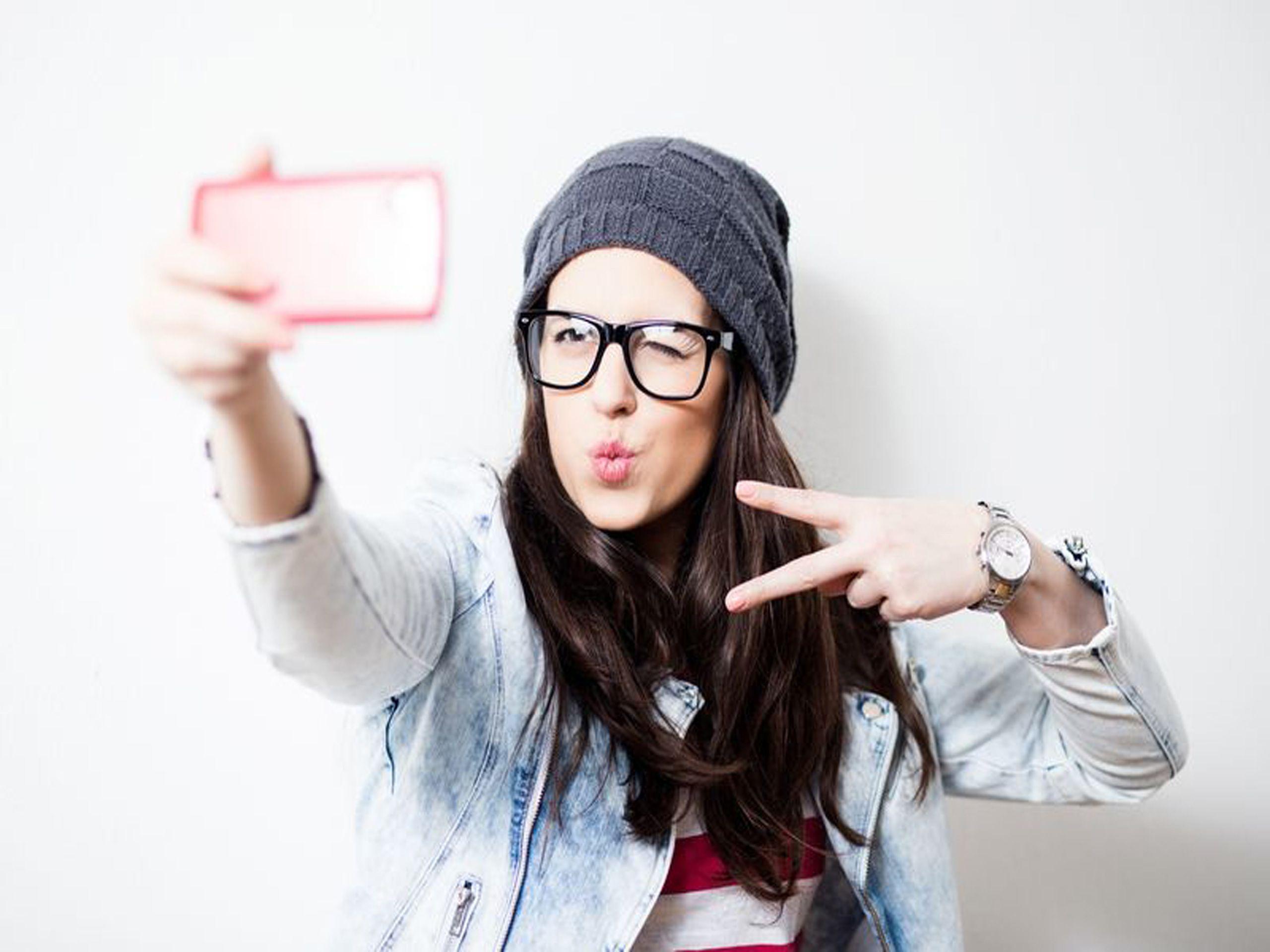 صور بنات سيلفي روعة جديدة و بجودة عالية جدا Influencer Marketing Millennials Perfect Selfie