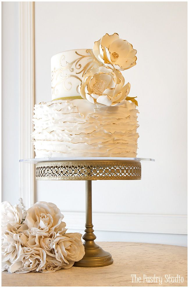 A Touch Of Gold Cakes Wedding By The Pastry Studio Daytona Beach