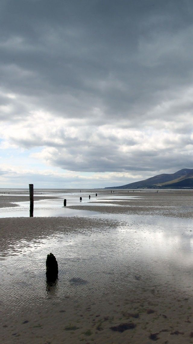 Beach And Mourne Mountains Northern Ireland Iphone 5