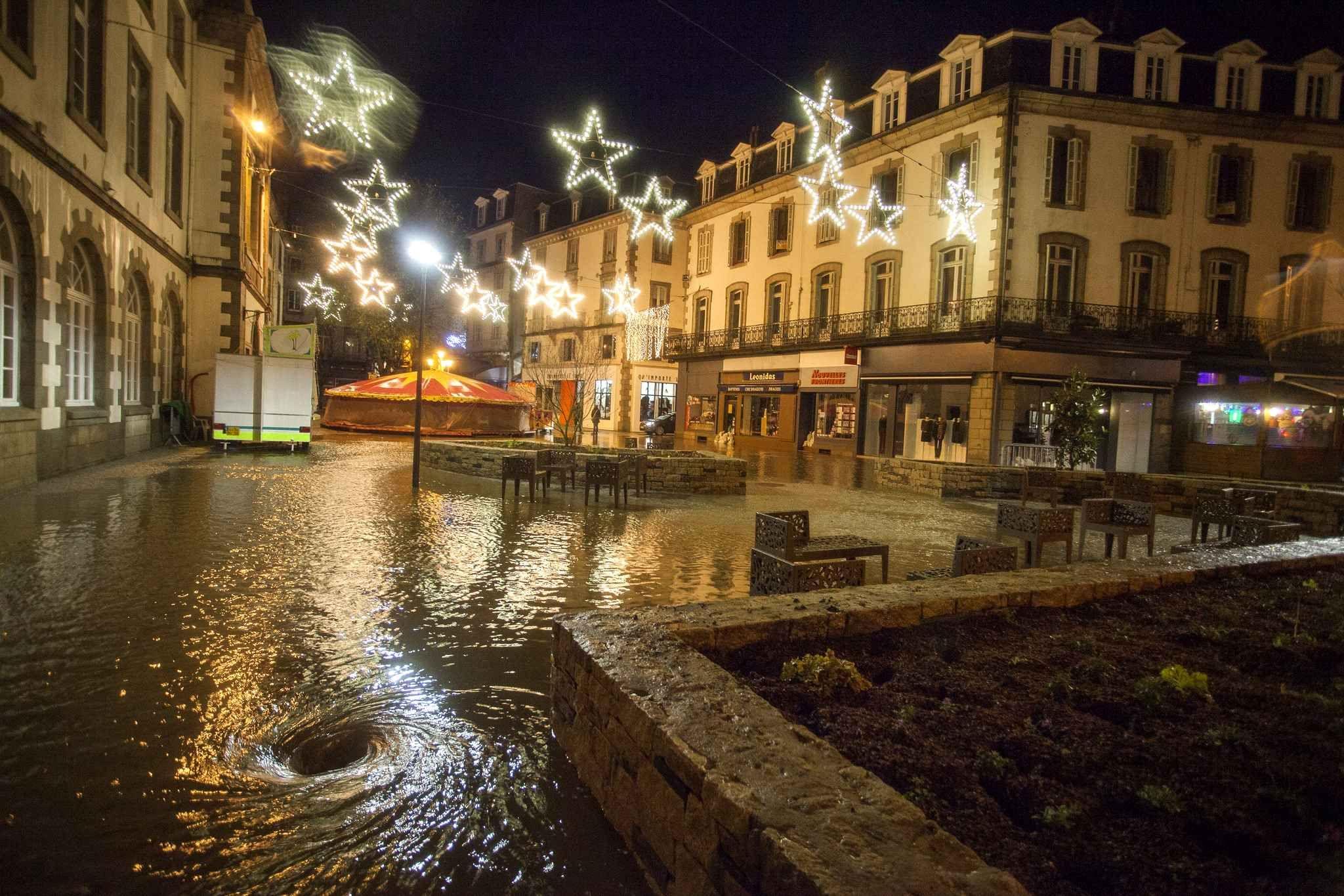 Dans le Finist¨re les villes de Morlaix photo Quimper
