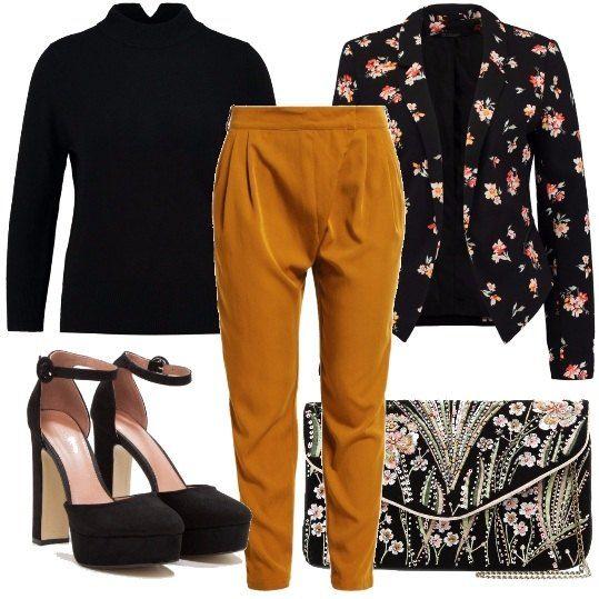 Felpa kenzo grigia, pantaloni giallo ocra dal tagio classico