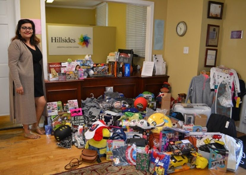 Los Angeles Woman Arranges Holiday Toy Drive for Foster