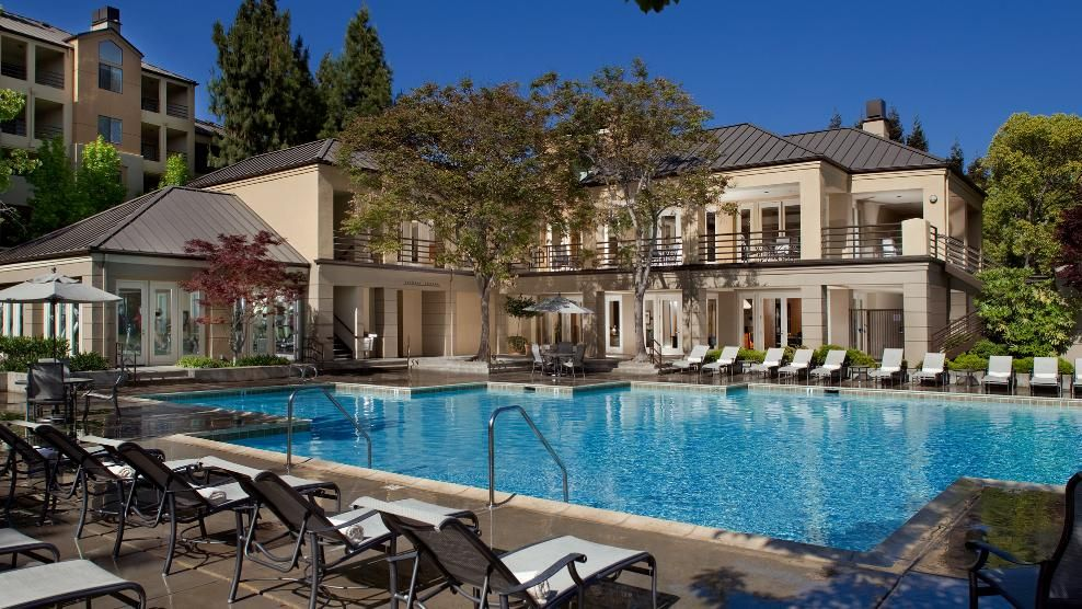 Elan Apartments San Jose Apartments In The Silicon Valley San Jose Apartments Spa Pool Apartments For Rent